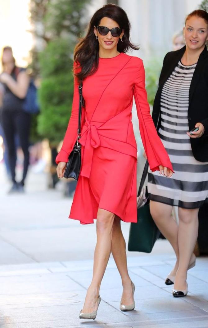 crvena haljina 1 Neka ti IT poznate žene budu stilska inspiracija za Dan zaljubljenih