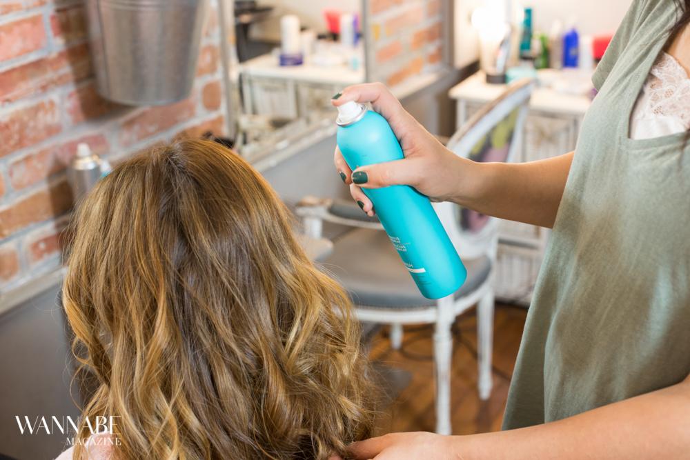 frizura 1 1 Hair Tutorial: Kako da postigneš Messy Look? (VIDEO)