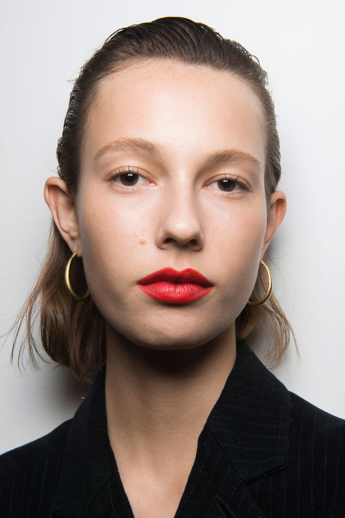 Florescent Matte Lip Prolećni trendovi koje su odobrili beauty stručnjaci