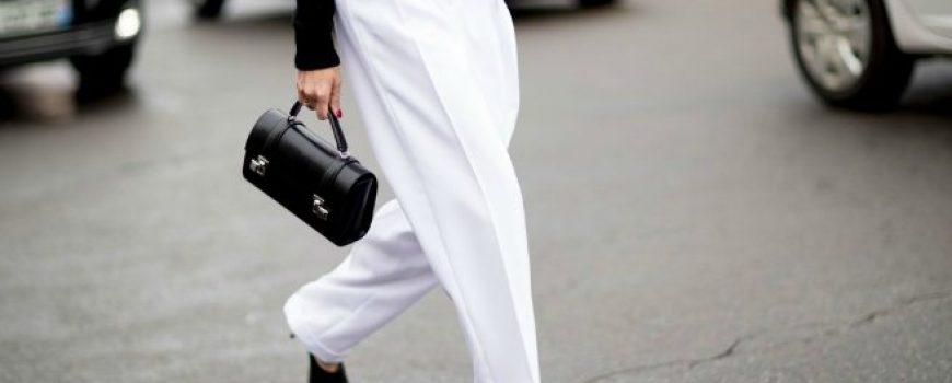 Street style aksesoari sa Pariske nedelje mode postavljaju standarde