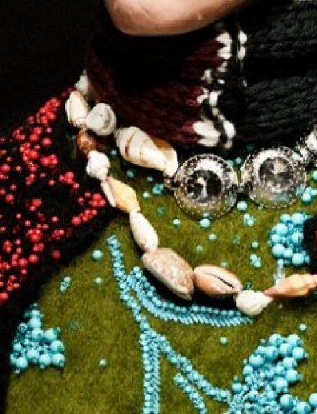 Sujeverje ili moda: Zašto modni dizajneri propagiraju talismane kao trend?
