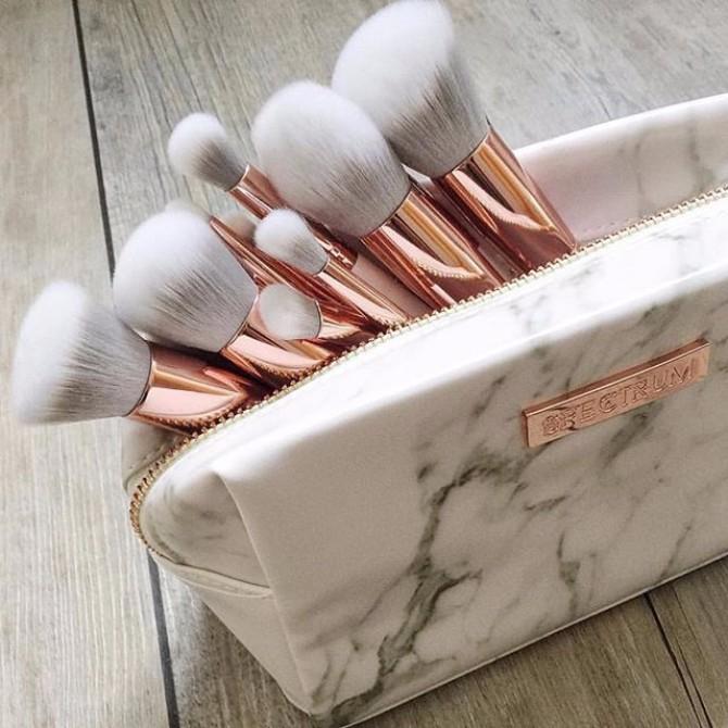 cetkice za sminkanje 2 Kako da brzo i lako očistiš svoje četkice za šminkanje?