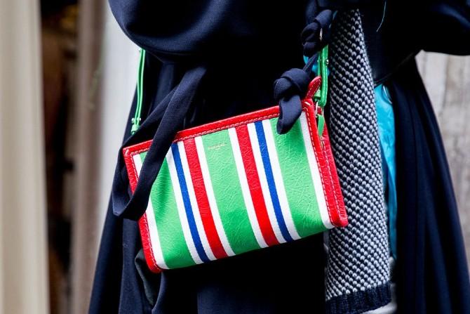 pfw 1 2 Street style aksesoari sa Pariske nedelje mode postavljaju standarde