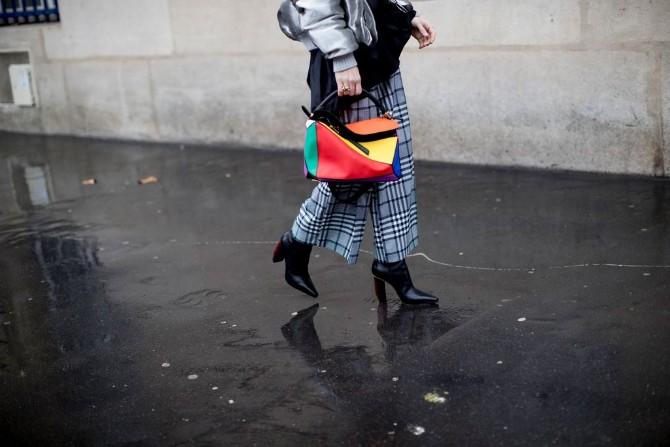 pfw 10 Street style aksesoari sa Pariske nedelje mode postavljaju standarde