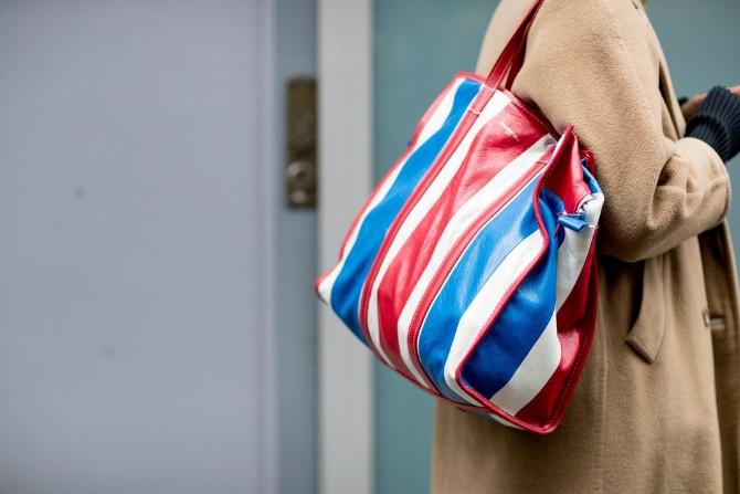 pfw 5 1 Street style aksesoari sa Pariske nedelje mode postavljaju standarde