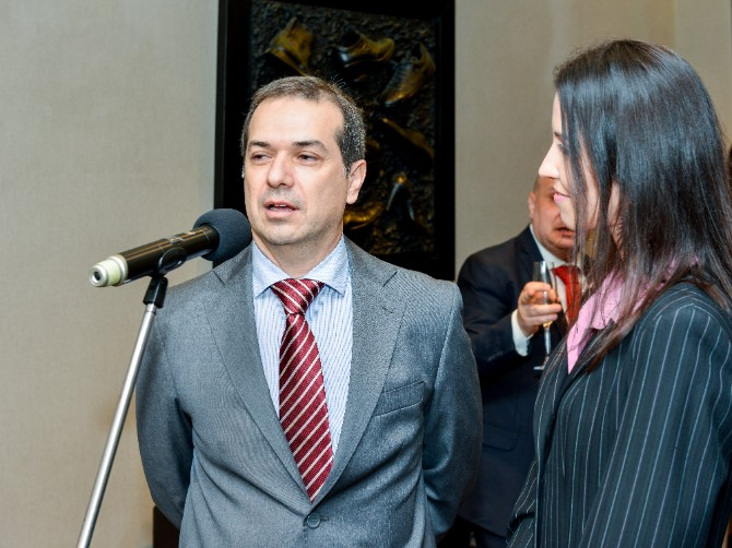 predstavnik Ambasade Italije Beograd posetio jedan od najboljih modnih znalaca   Roberto Botičeli