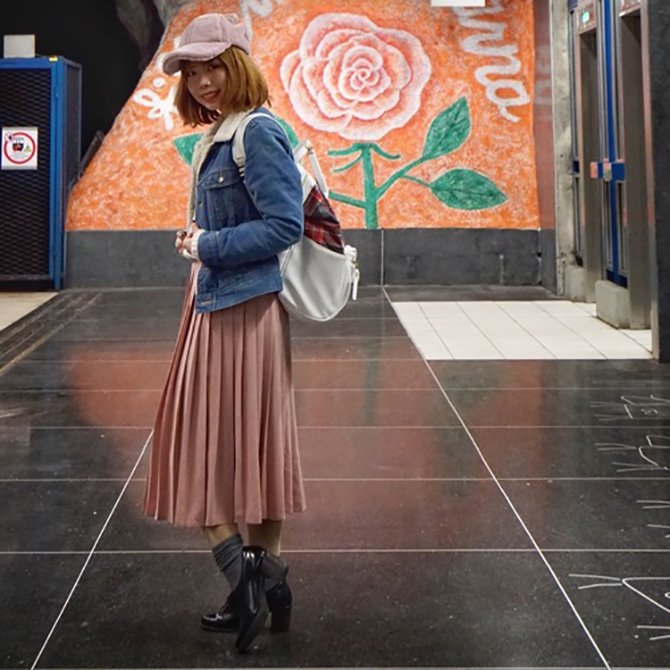 """tarah victoria 1 Retro je IN: Zašto su street style dame """"poludele"""" za obućom ovog engleskog brenda"""