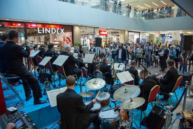 Big Band RTS a u Uscu nastup Spektakularna džez rapsodija u Ušće Shopping Center u