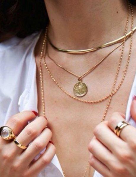 Kako da stilizuješ više komada nakita kao IT devojka