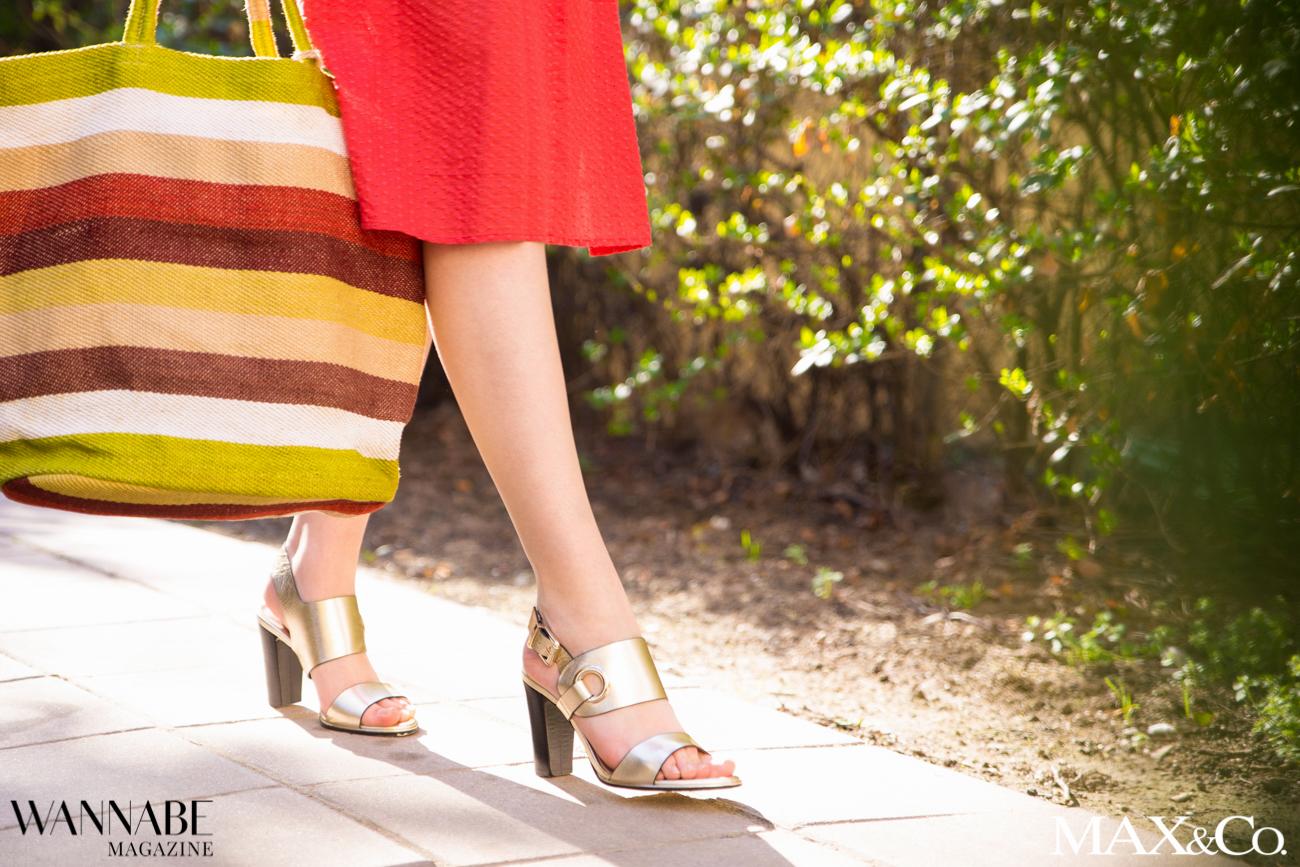 MaxCo 3 2 2 Probaj ovu kombinaciju za proleće: Denim košulja i crvena suknja!