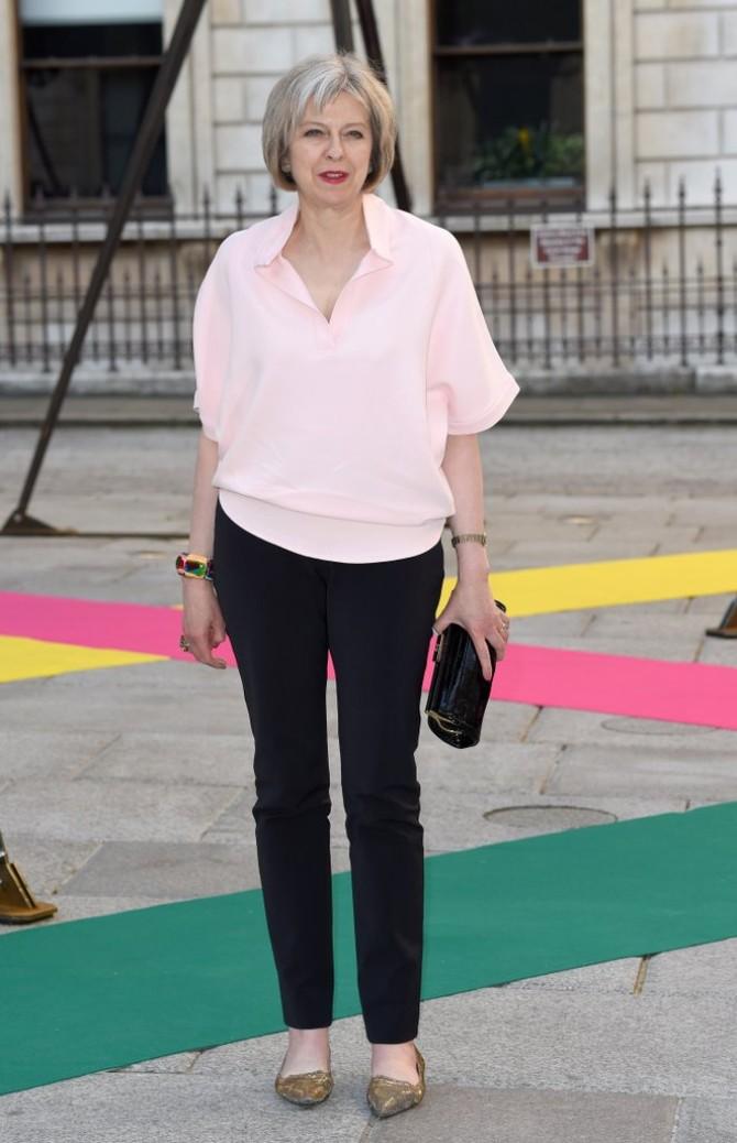 tereza mej 2 Stilska mantra britanske premijerke Tereze Mej za sve moćne žene