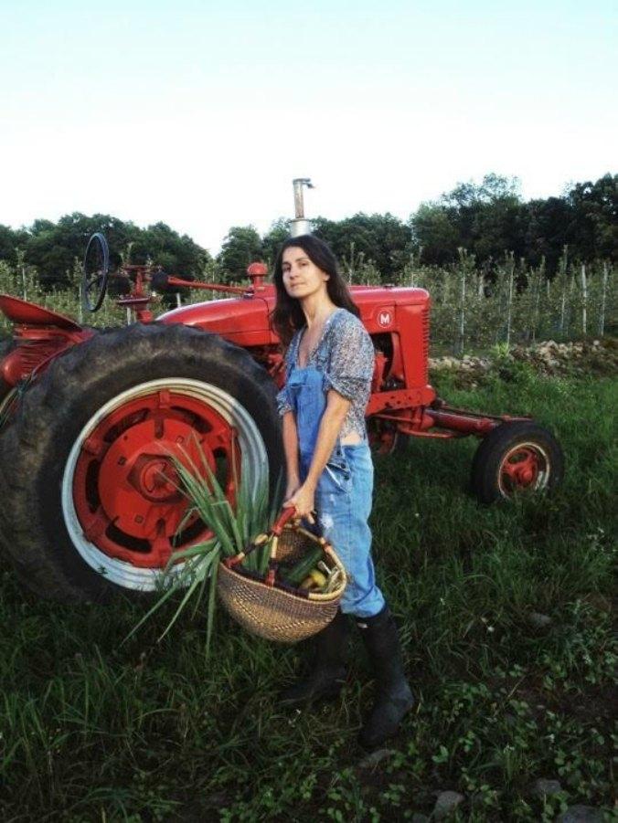 laura 1 Život posle mode: Zašto su insajderi najednom postali cvećari, farmeri, instruktori joge?