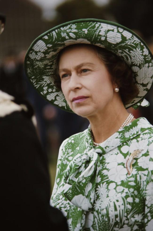 sesir 6 Aksesoar koji je obeležio njen stil: Najlepši šeširi kraljice Elizabete