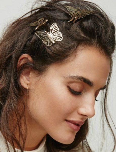 Šnale za kosu u obliku leptira se vraćaju u modu, ali izgledaju bolje nego tokom devedesetih!