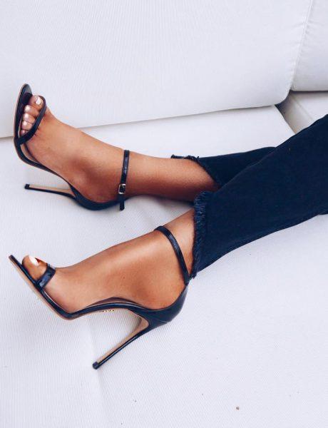 Letnje autfite ćeš želeti da upotpuniš ovim trendi sandalama