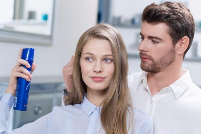 NCR 10 BlueFotolia Couple hair styling care hold Print 300 dpi Baš sve što je tvojoj kosi potrebno ovog leta!