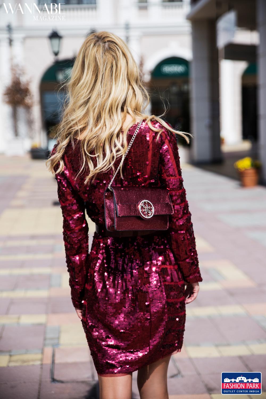 O ovoj disko haljini poznatog brenda svi govore O ovoj disko haljini poznatog brenda svi govore!