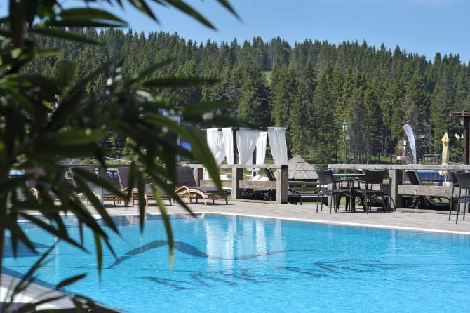Otvoreni bazen hotela Grand Otvorena letnja sezona na Kopaoniku