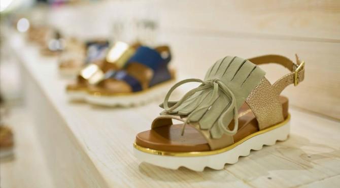 sandale1 #SummerEssentials: Ove sandale su osvojile sve društvene mreže i potrebne su nam   odmah!