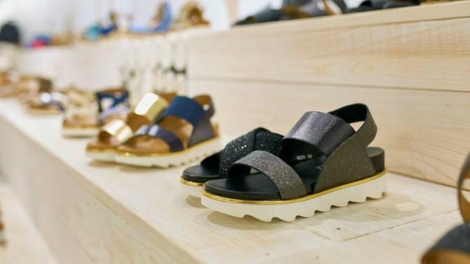 sandale4 #SummerEssentials: Ove sandale su osvojile sve društvene mreže i potrebne su nam   odmah!