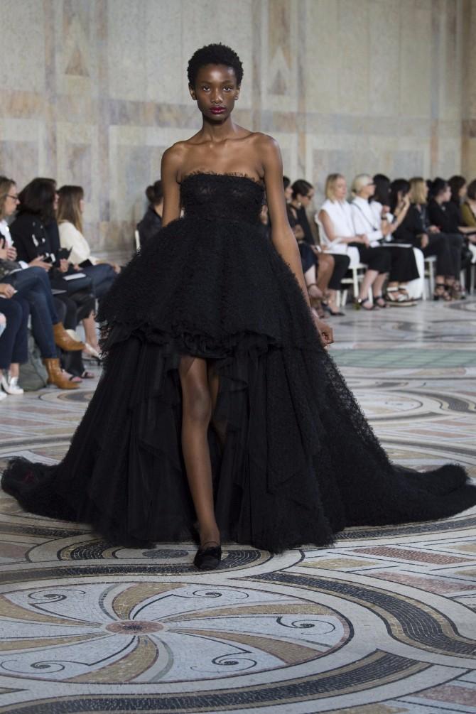 Đanbatista Vali 5 Revija modne kuće Giambattista Valli u Parizu pokazala kako izgledaju savremene princeze
