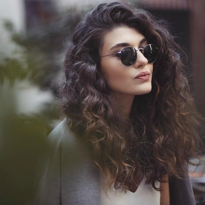 kosa2 Kako da oživiš oštećenu kovrdžavu kosu?