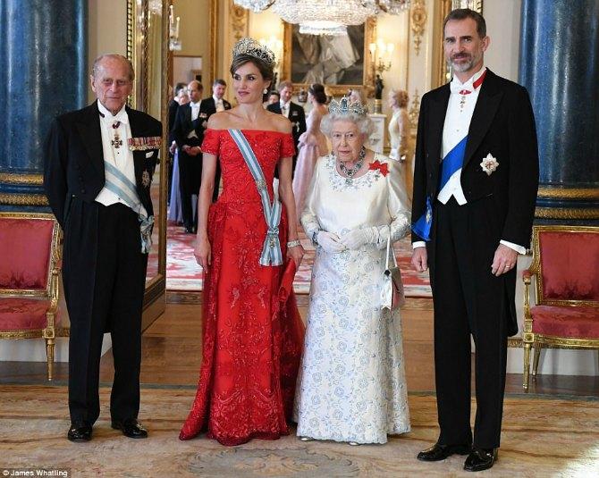 kraljica leticija 3 Svojim izgledom i kombinacijama kraljica Leticija oduševila Veliku Britaniju