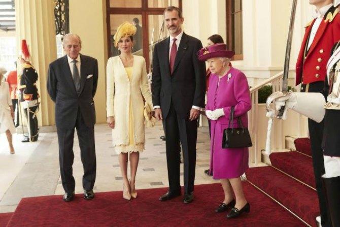 kraljica leticija Svojim izgledom i kombinacijama kraljica Leticija oduševila Veliku Britaniju