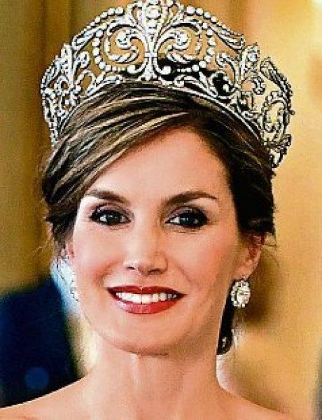 Svojim izgledom i kombinacijama kraljica Leticija oduševila Veliku Britaniju