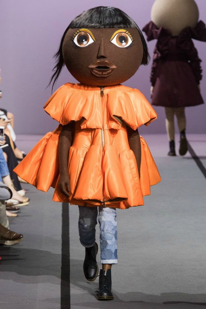 viktor rolf couture fw2017 Viktor & Rolf kolekciju na modnoj pisti nosile   lutke!