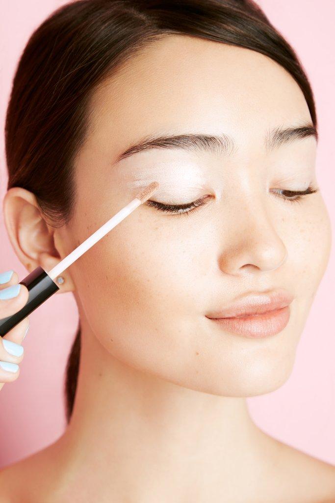 1 2 Načini za korišćenje korektora koje do sada sigurno nisi praktikovala u svojoj beauty rutini
