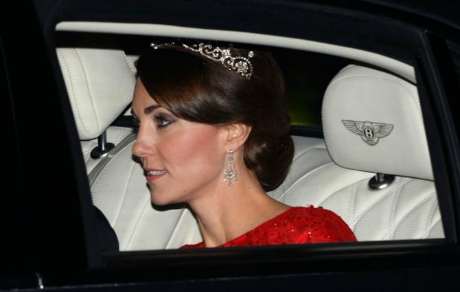 Slika 15 18 najlepših komada nakita koje je Kejt Midlton dobila od kraljevske porodice