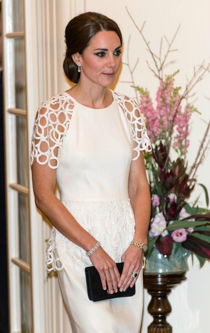 Slika 6 1 18 najlepših komada nakita koje je Kejt Midlton dobila od kraljevske porodice