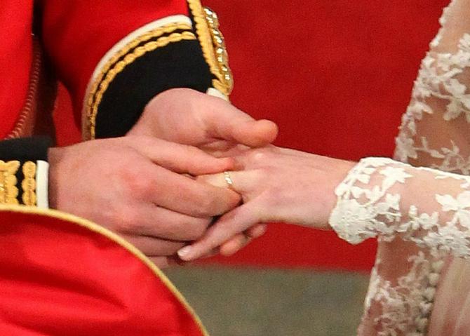Slika 8 1 18 najlepših komada nakita koje je Kejt Midlton dobila od kraljevske porodice
