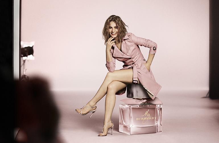 burberry 3 Mirisi nove modne sezone: Po kom ćeš parfemu biti prepoznatljiva ove jeseni?