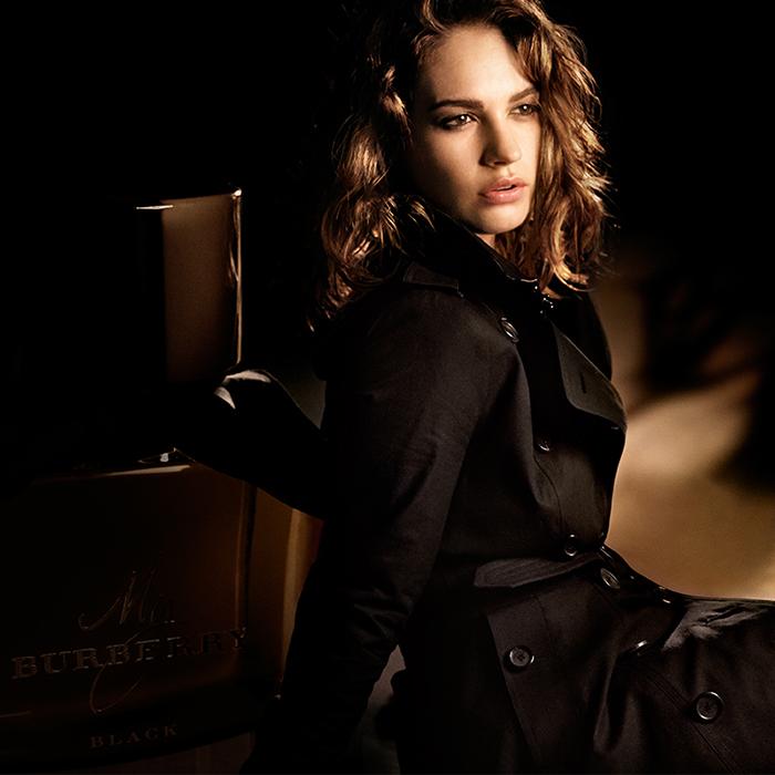 burberry 4 Mirisi nove modne sezone: Po kom ćeš parfemu biti prepoznatljiva ove jeseni?