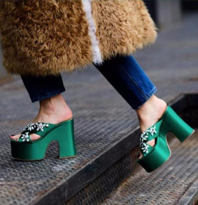 cipele2 Statement cipele su ono što svaka kul devojka nosi ovih dana + stajling saveti