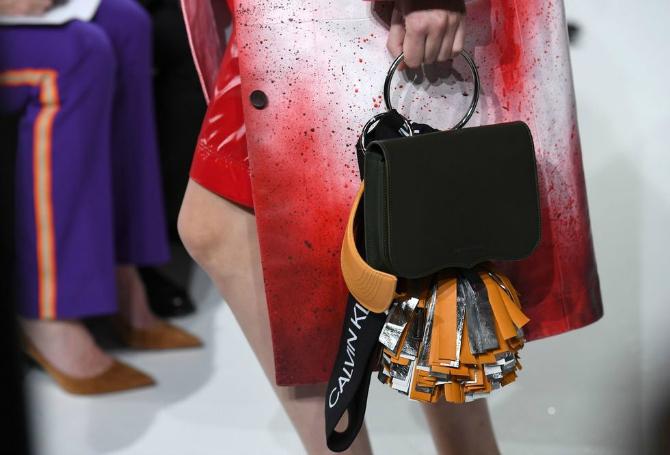 1 3 Najupečatljivije torbe sa Nedelje mode u Nujorku