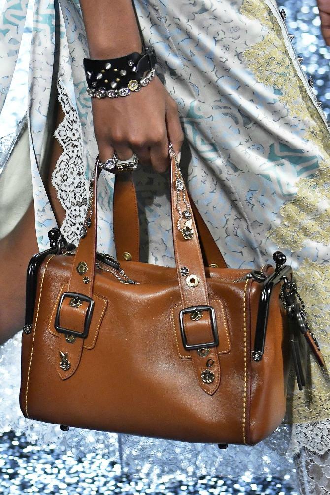 11 2 Najupečatljivije torbe sa Nedelje mode u Nujorku