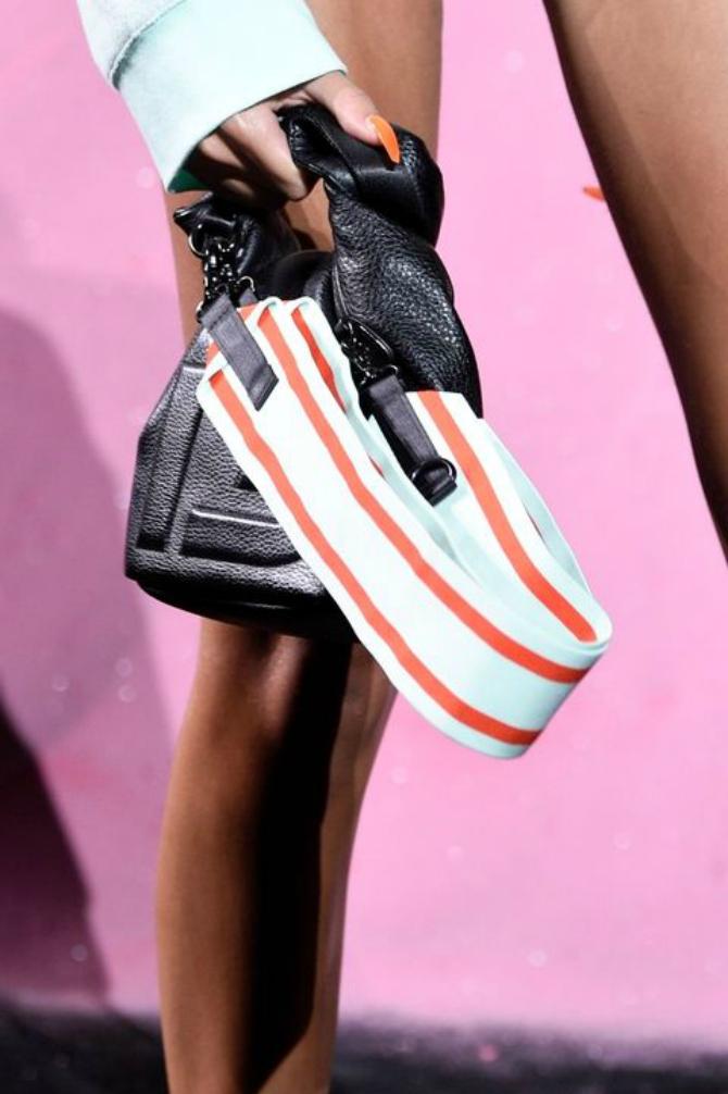 5 2 Najupečatljivije torbe sa Nedelje mode u Nujorku