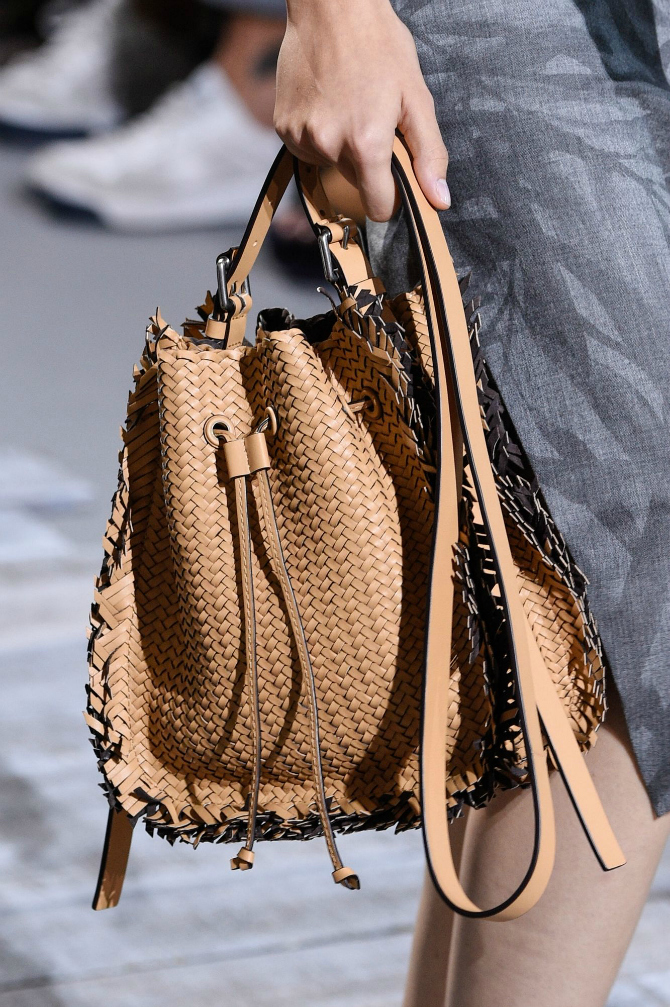 9 2 Najupečatljivije torbe sa Nedelje mode u Nujorku