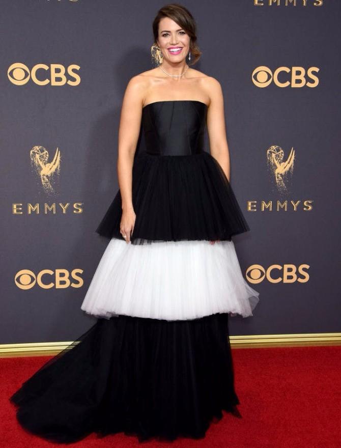 MANDY MOORE IN CAROLINA HERRERA Svaka OMG WOW haljina sa dodele Emmy nagrada