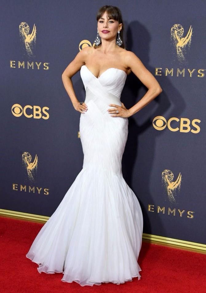 SOFIA VERGARA IN MARK ZUNINO Svaka OMG WOW haljina sa dodele Emmy nagrada