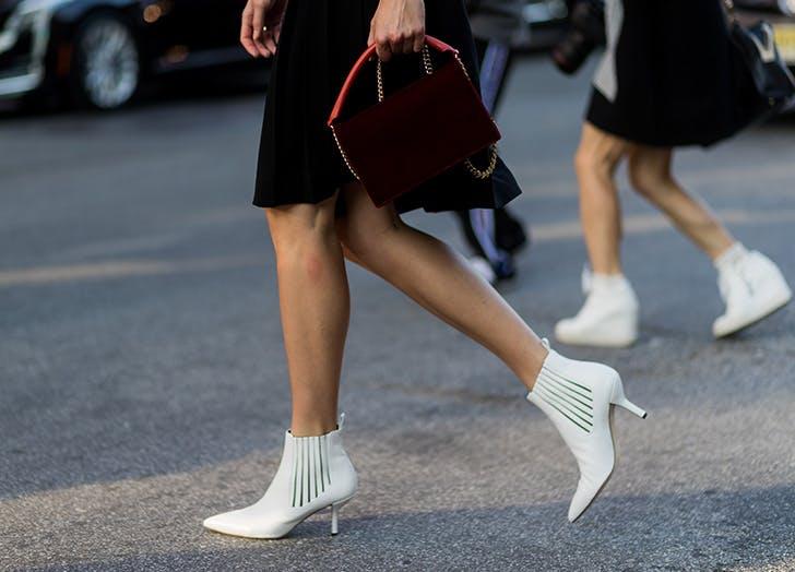 bele čizme 7 trendova sa NYFW koje možeš da nosiš već danas