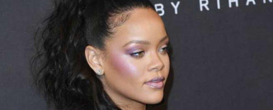 Hajlajter boje lavande je najveći jesenji trend za strobing makeup tehniku!