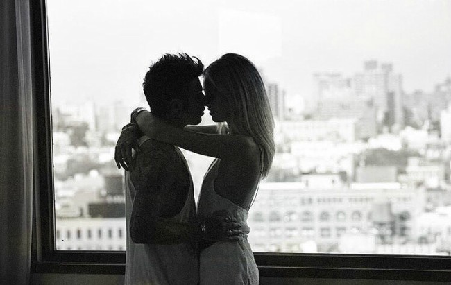 zaljubljeni par Veliki problem malog broja žena – vaginizam