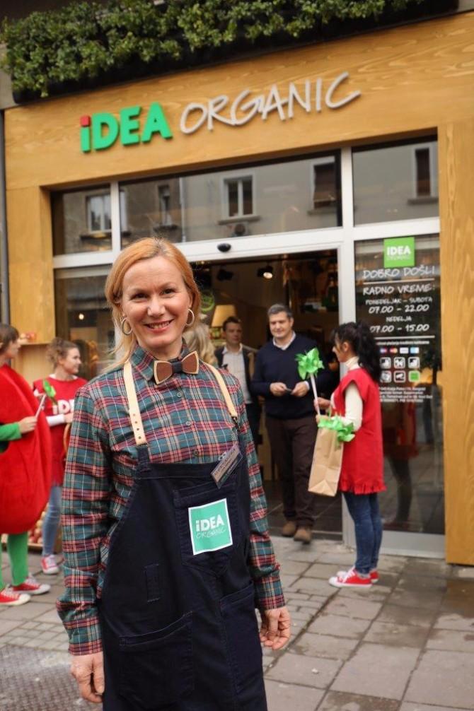 Aleksandra Sekulic menadzer i nutricionista IDEA Organic u Kralja Petra... Ljubitelji zdrave ishrane obradovani novim IDEA Organic prodavnicama