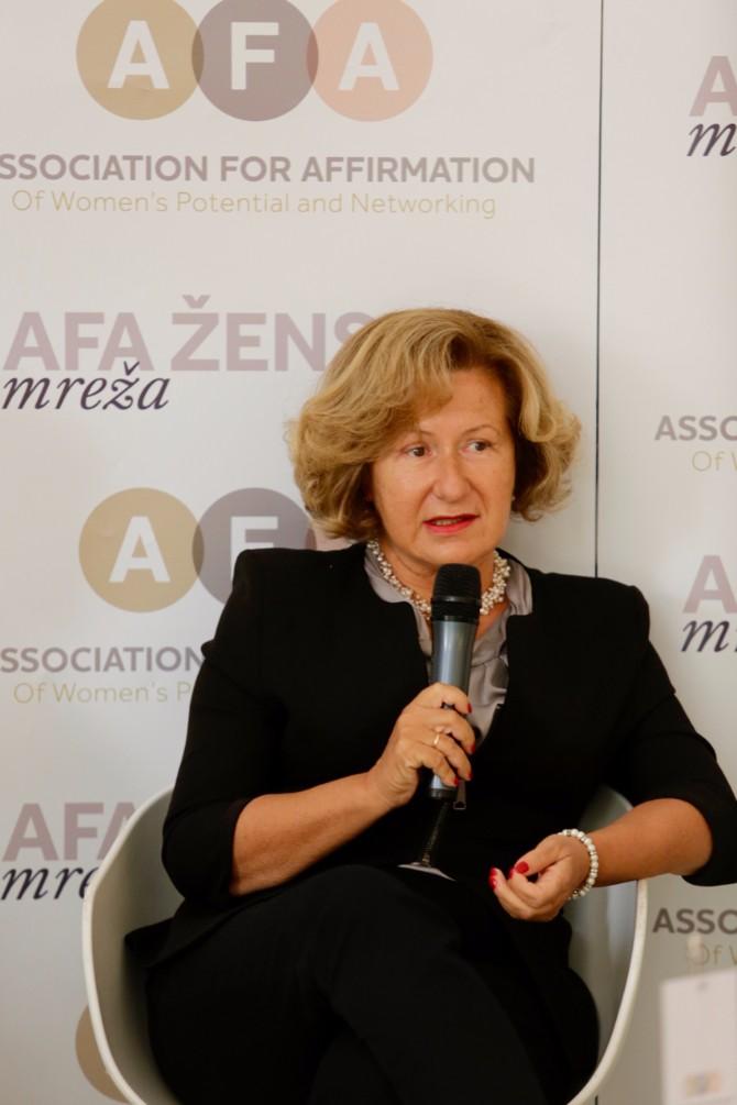 Mr.Sci .Med . Jasmina Knežević Bel Medic Prvi Samit ženskog liderstva na temu Digitalizacija i tehnološke inovacije kao šansa za brži razvoj društva i aktivniju ulogu žena