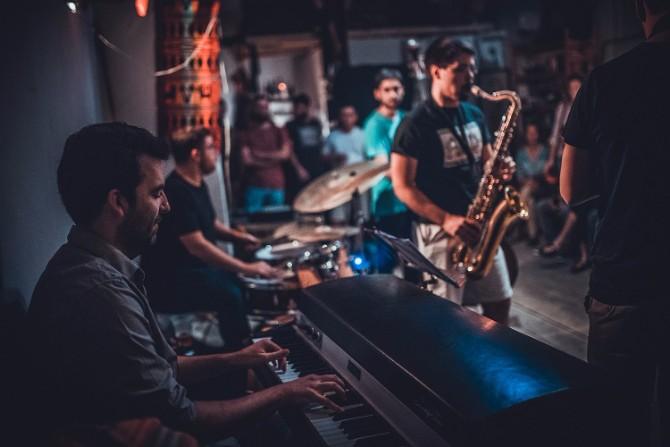 Schime Trio 1 Ne propusti: Pojačani autorski sastav Schime Trio i zvuk trube južnoafričkog džeza