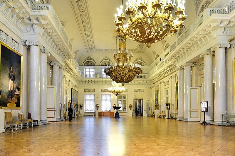 field marshals hall at the winter palace in st petersburg Svetski muzeji koje treba da posetiš: Ermitaž (carske dvorane)